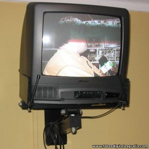 Televisor Antiguo de Tubo para transformar en Smart TV.